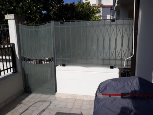 recinzione-vetro-satinato-aluglass-min