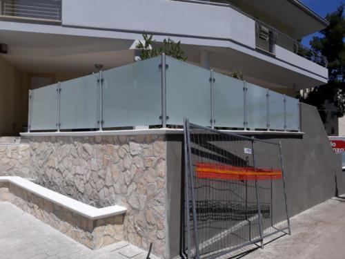 recinzione-avetro-traslucido-3-aluglass